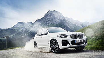 Successful Sports Activity Vehicle now also available with plug-in hybrid drive: the new BMW X3 xDrive30e.
